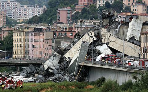 Gênes / Italie : Le pont Morandi s'effondre