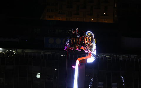 Bloqués à 52 mètres de haut