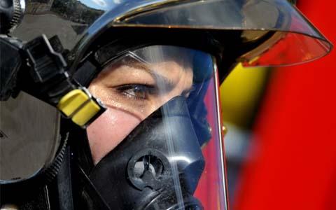 Féminisation de la tenue de service et d'intervention des sapeurs-pompiers