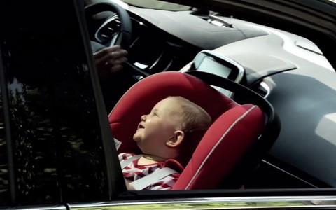 La sécurité des enfants en voiture est notamment assurée par le choix d'un siège auto adapté.