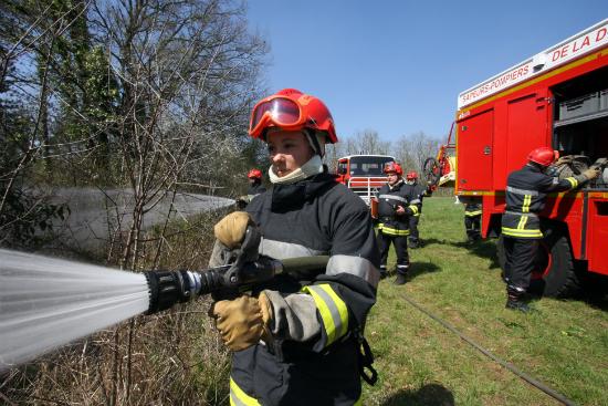 Illustration femme sapeur-pompier (© Olivier Rigaud)