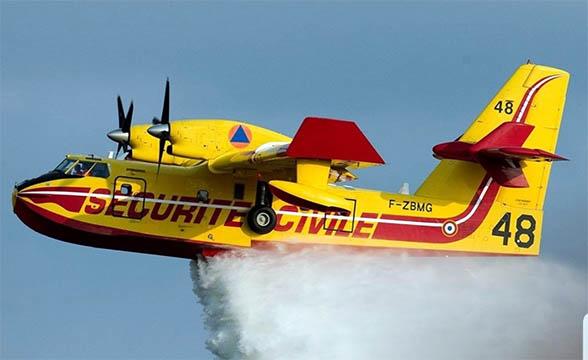 """Avion bombardier d'eau """"Canadair"""" de la Sécurité civile – © Twitter Sécurité civile"""