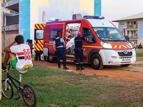 Guyane, les secours de l'extrême