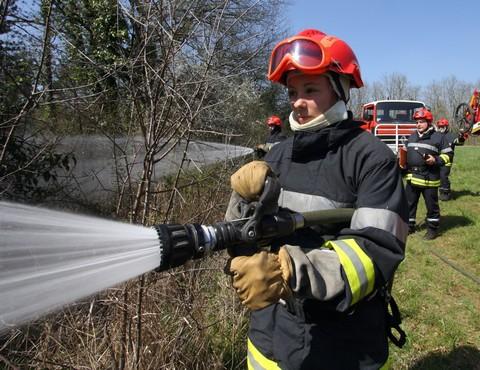 Femmes chez les sapeurs-pompiers