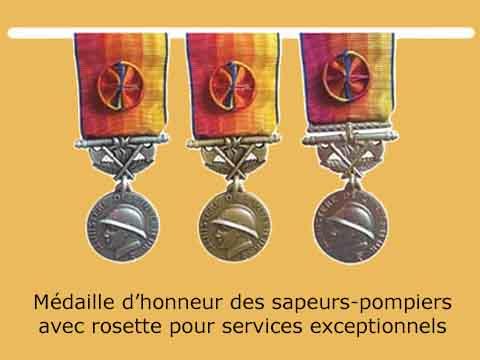 Médailles d'honneur des sapeurs-pompiers avec rosette pour services exceptionnels