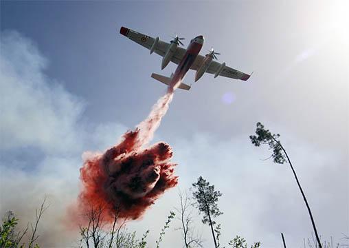 """© Olivier RIGAUD – Avion bombardier d'eau """"Tracker"""" de la Sécurité civile"""