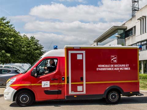 Véhicules de secours et d'assistance à victimes – sapeurs-pompiers © Gautier – Forget