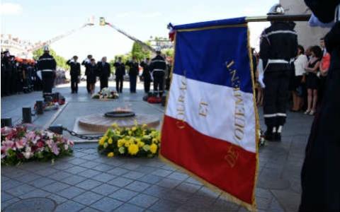VIGNETTE - JNSP Cérémonie Arc Triomphe