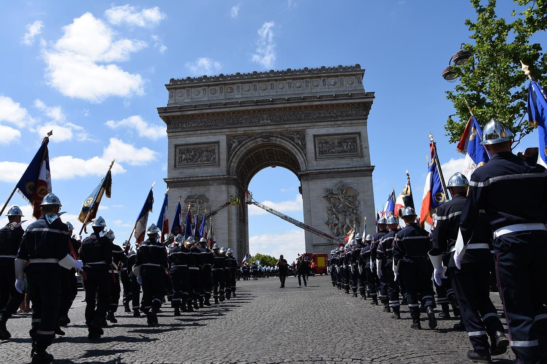 JNSP2017 - Sapeurs-pompiers de France en marche vers Arc de Triomphe